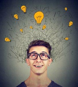 לך תזכור - -man-looking-up-at-many-ideas-light-bulbs